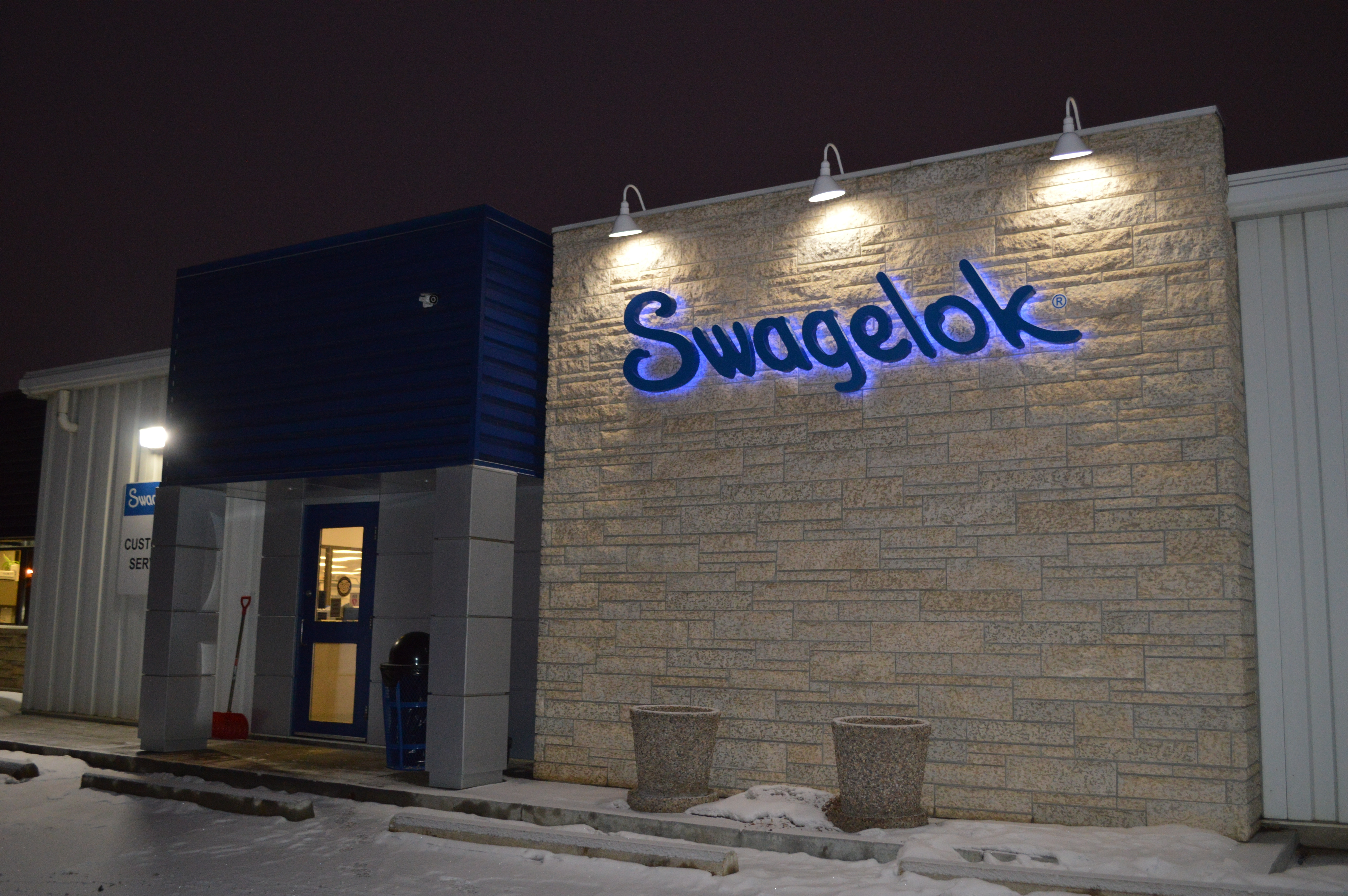 winter Swagelok.jpg